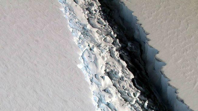 Desktop larsen c ice break