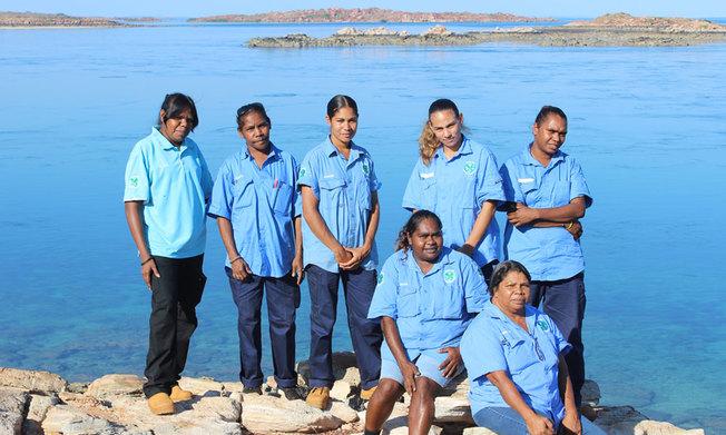 Desktop img bardi jawi oorany female rangers near lake kimberley 1000px