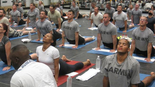 Desktop healing power of yoga for veterans give back yoga